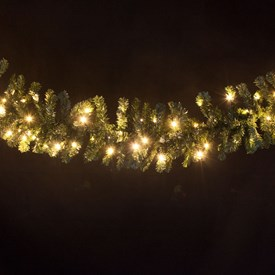 Branche en pin artificiel 2,7 m, 100 led blanc chaud
