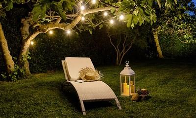 Festa in giardino 4 idee originali fai da te luminalpark for Giardini decorati