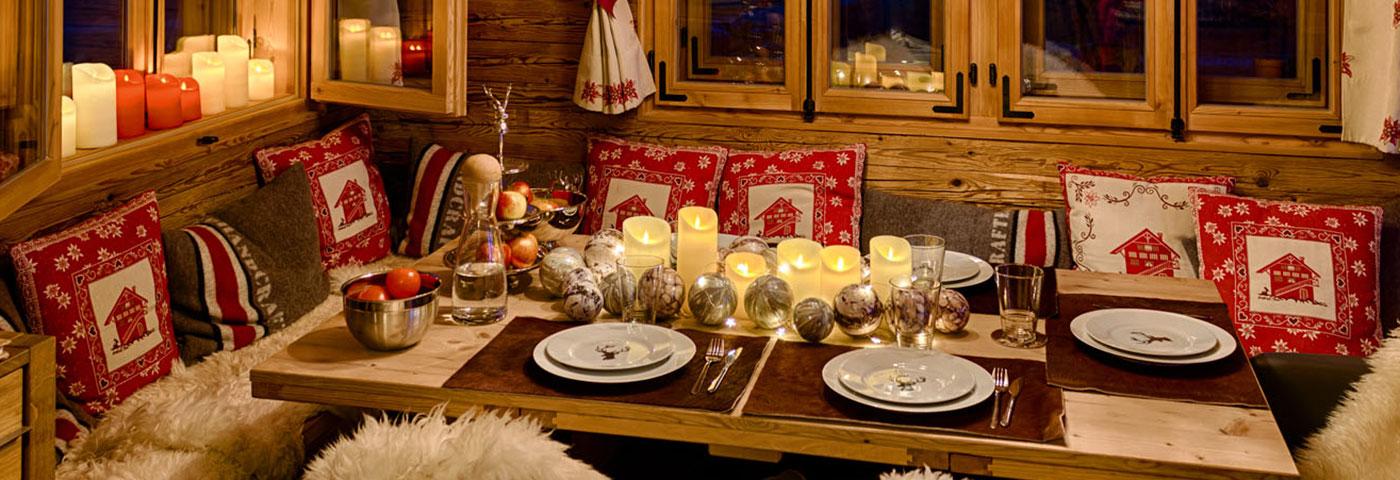 Decorazioni tavola di natale 4 idee originali luminal park - Idee per apparecchiare la tavola ...