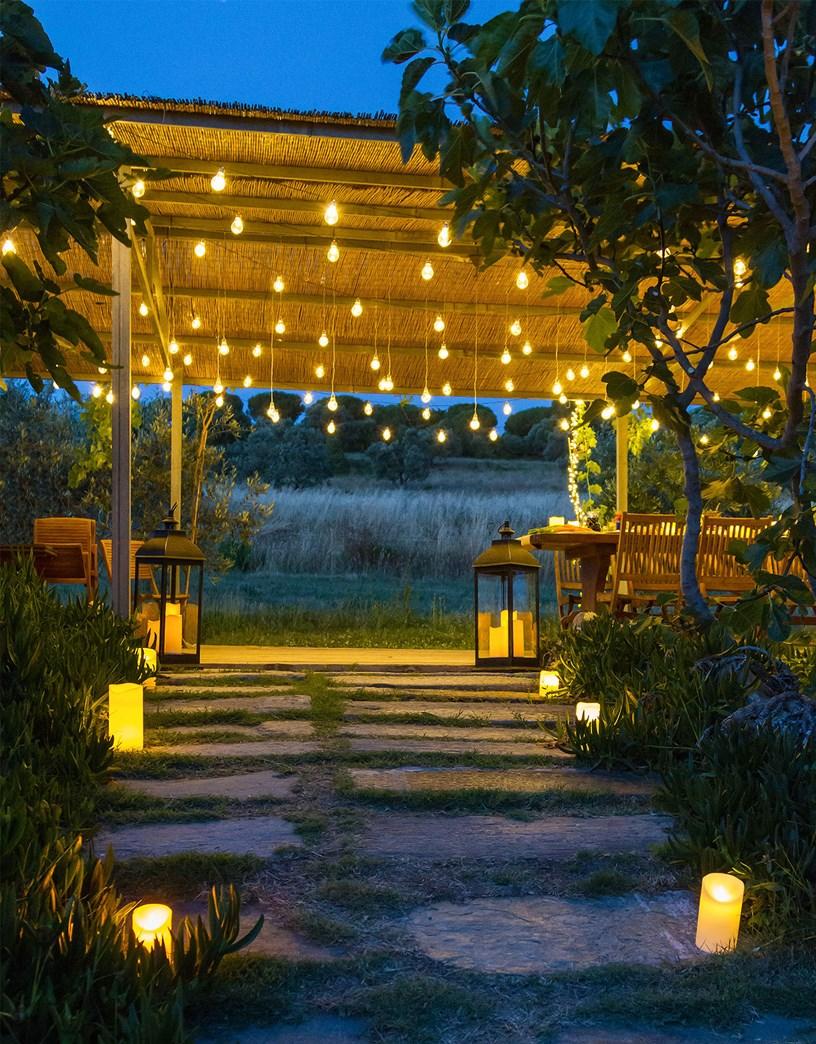 Idee giardino come decorare un vialetto con le luci - Luci decorative ...