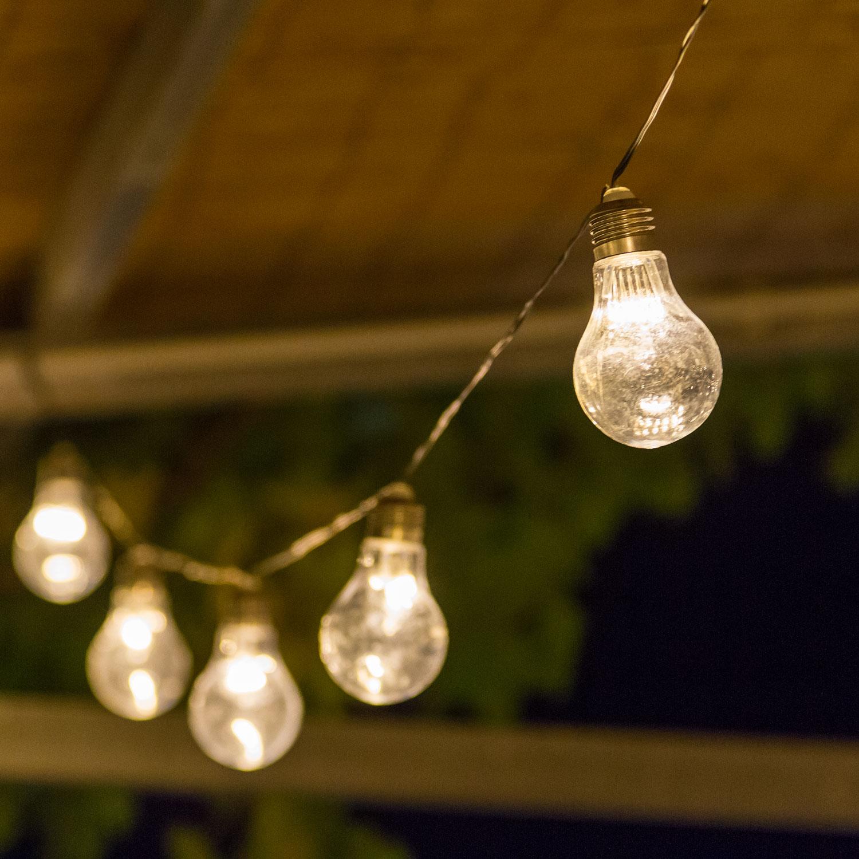 Comment Fixer Guirlande Exterieur guirlandes d'almpoules: idées d'installations diverses pour