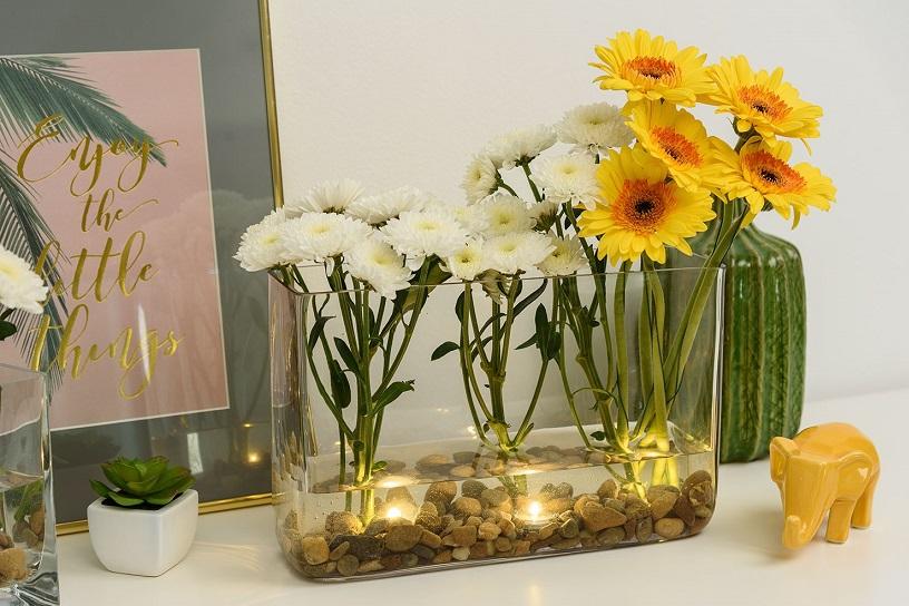 Composition florale en vase transparent faire soi m me - Creer sa deco de noel ...