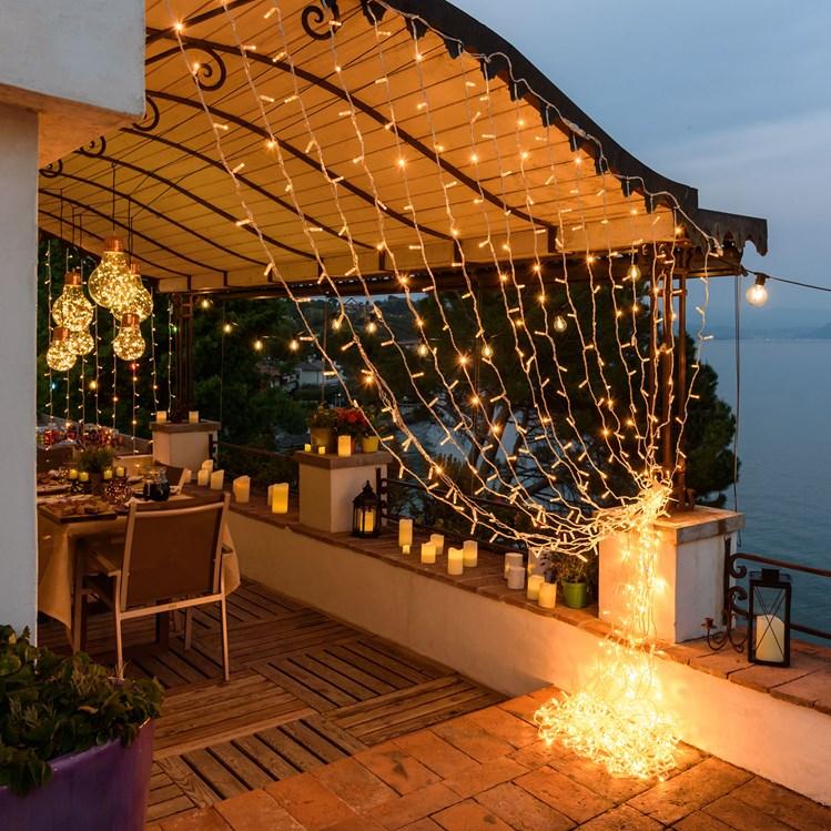 Decorazioni terrazzo i must have per l 39 estate luminal park for Tenda terrazzo