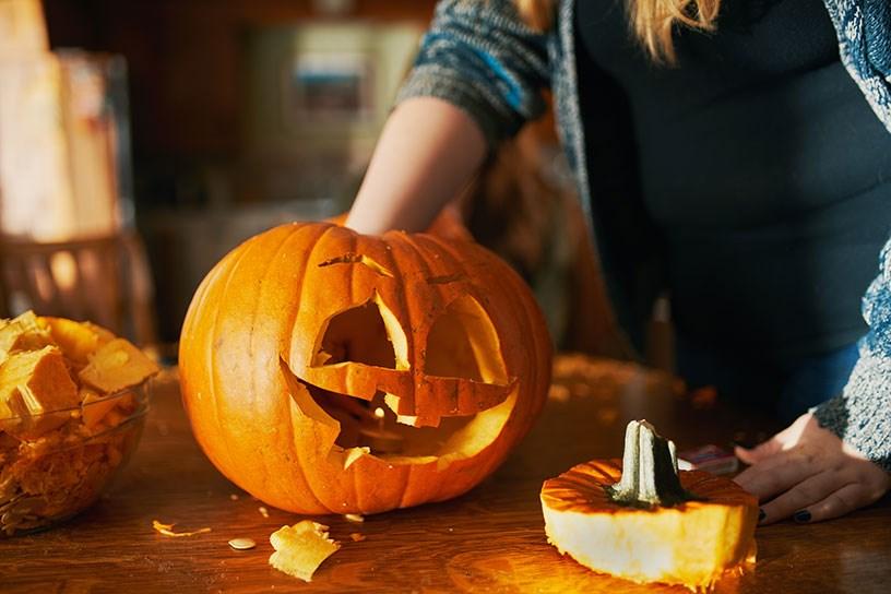 Lavoretti di halloween fai da te 2018 per bambini for Zucca halloween luminosa