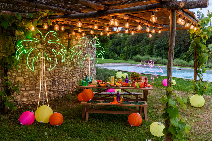 C mo decorar una fiesta en la piscina luminal park for Addobbi per feste in piscina