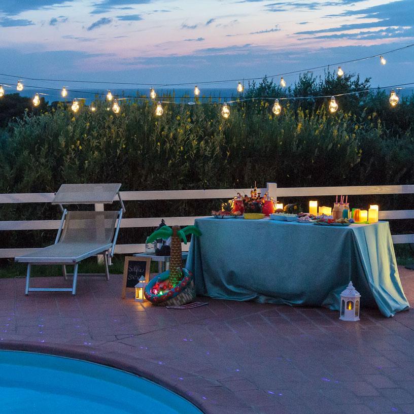Festa in piscina 3 semplici idee per allestirla luminal for Addobbi piscina