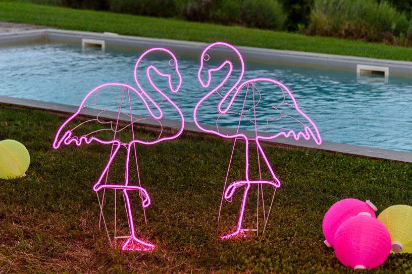 Come allestire una festa in piscina luminal park for Idee party in piscina