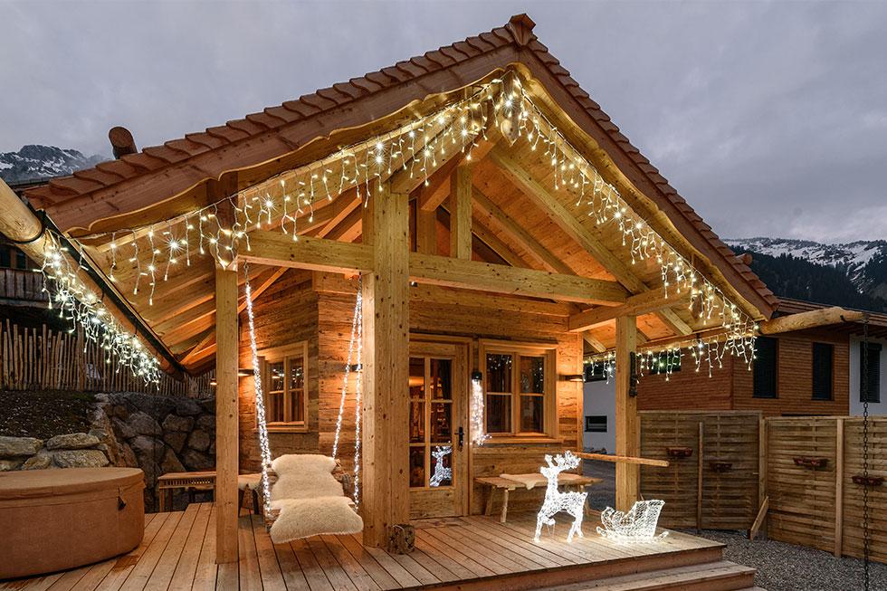 Luci natalizie per il cornicione luminal park - Cornicione casa ...
