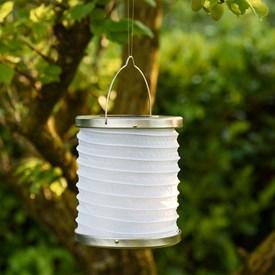 Candele e lanterne led decorative per giardino ed esterni for Lanterne da interno