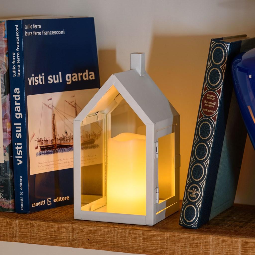 wei e haus laterne h 20 cm led kerze warmwei batteriebetrieben led laternen. Black Bedroom Furniture Sets. Home Design Ideas