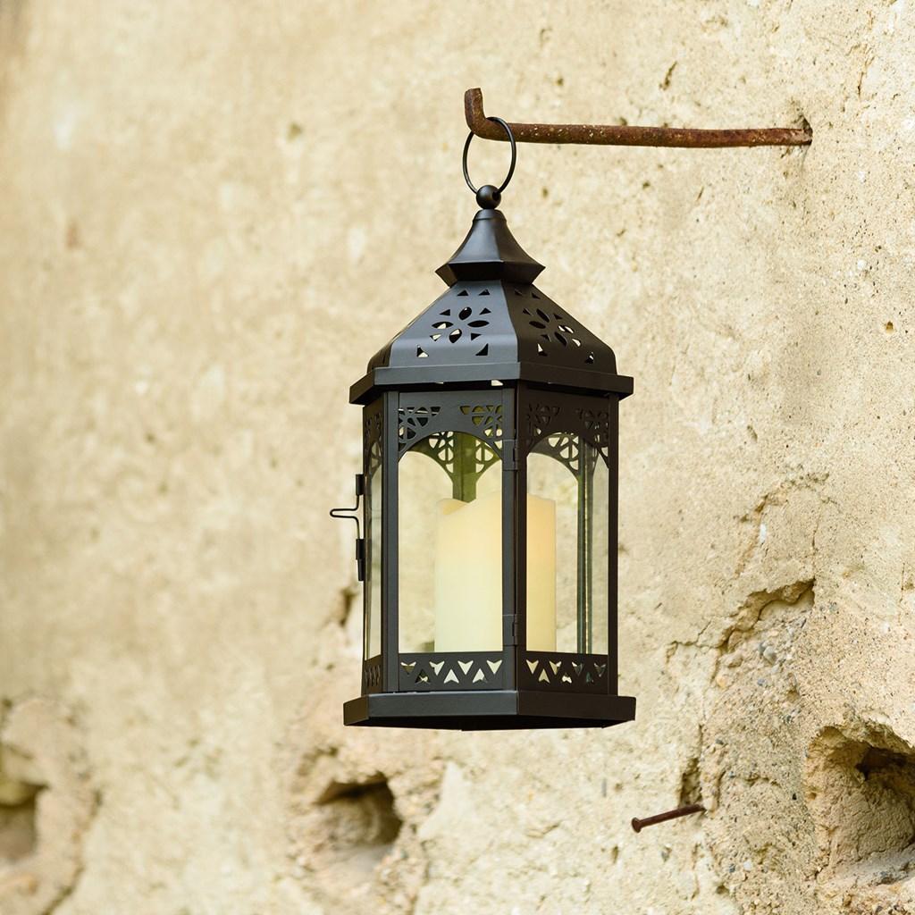 lanterne en verre et m tal noir h 34 cm avec bougie led. Black Bedroom Furniture Sets. Home Design Ideas