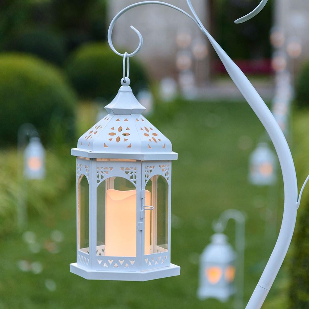 lanterne en verre et m tal blanc h 34 cm avec bougie led blanc chaud lanternes led. Black Bedroom Furniture Sets. Home Design Ideas