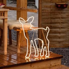 4274ba284c8 Renos luminosos y figuras navideñas de exterior