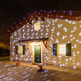 Proyectores led y l ser de exterior luminal park for Giardino 54 nyc