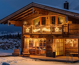 Pareti Esterne Illuminate : Luci di natale da esterno e addobbi natalizi luminalpark