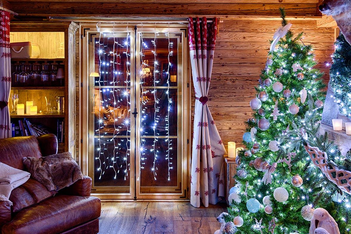 Decorazioni natalizie 2018 finestre e porte luminal park - Addobbi natalizi per le finestre ...