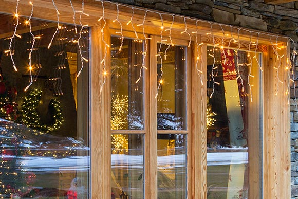 Decorazioni natalizie 2018 finestre e porte luminal park for Porte natalizie